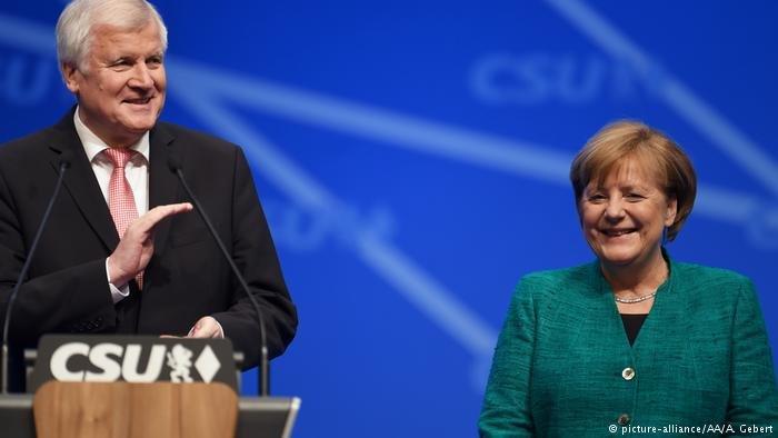 تثير مسألة إمكانية تولي رئيس الحزب الاجتماعي المسيحي، منصب وزير الداخلية في ألمانيا مخاوف بعض اللاجئين