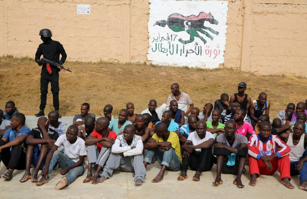 مهاجرون في أحد مراكز الاحتجاز في ليبيا. أرشيف
