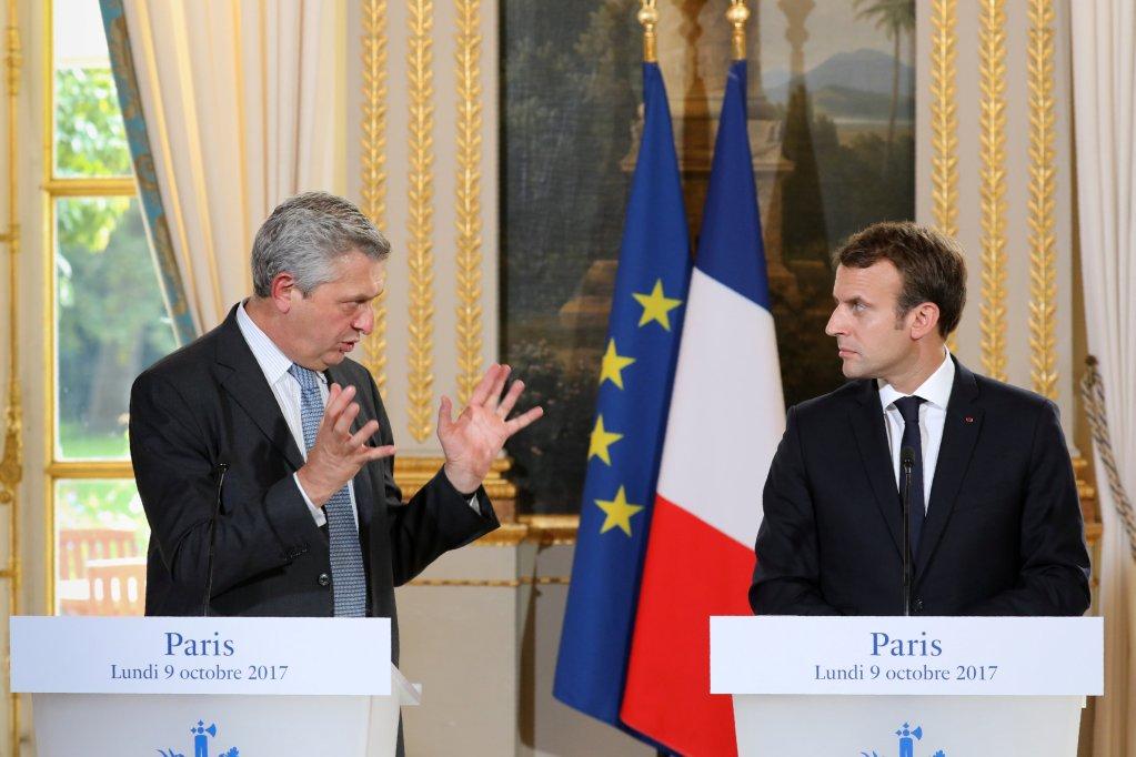 Filippo Grandi et Emmanuel Macron, le 9 octobre 2017. Crédit : Reuters