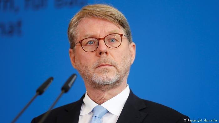 Hans-Eckhard Sommer, head of BAMF | Photo: Reuters/H.Hanschke