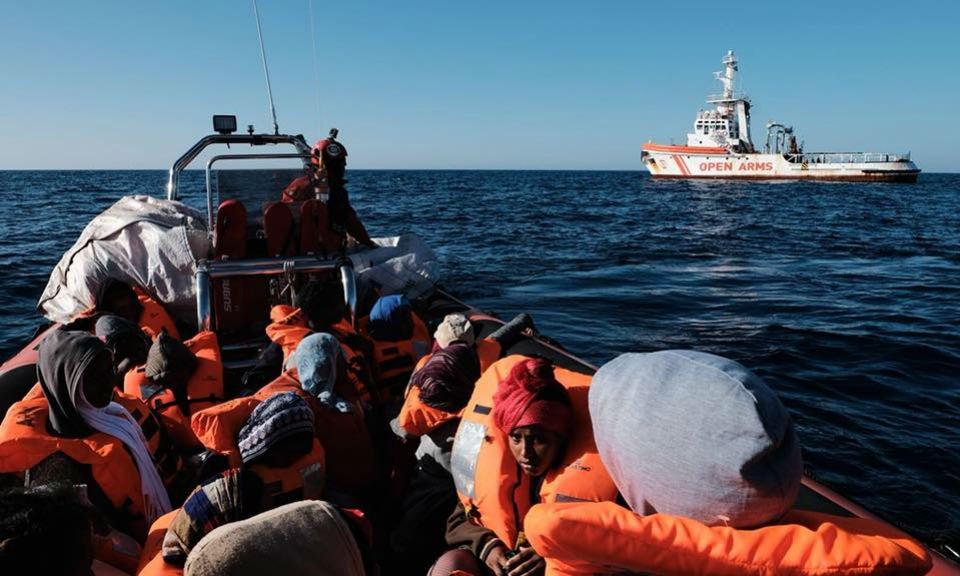 Sauvetage de migrants en mer Méditerranée par l'ONG espagnole Proactiva Open Arms. crédits : Proactiva Open Arms