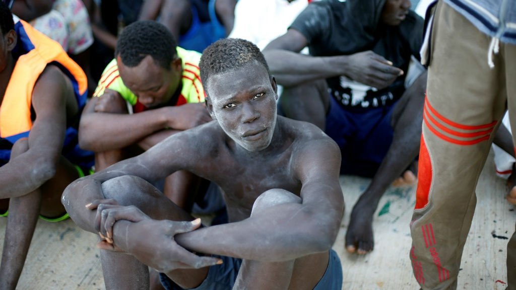 Un groupe de migrants intercepts par la Libye arrive au port de Tripoli le 6 novembre 2017 Crdits  Ahmed Jadallah Reuters