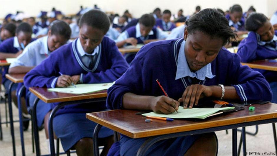The majority of those surveyed said they had completed secondary education or were still involved in secondary education when they left their home countries | Photo: DW/Shisia Wasilwa