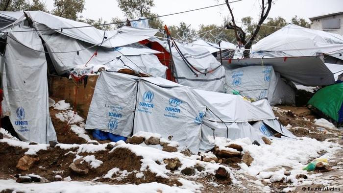 خیمه های مهاجران در کمپ موریا در جزیره لسبوس یونان