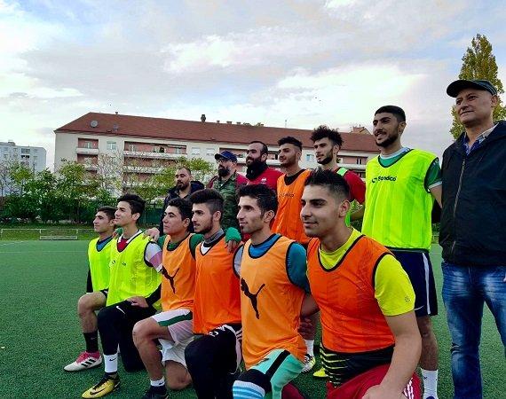 Les jeunes réfugiés syriens de l'équipe de foot Amouda, à Vienne en Autriche. Crédit : InfoMigrants
