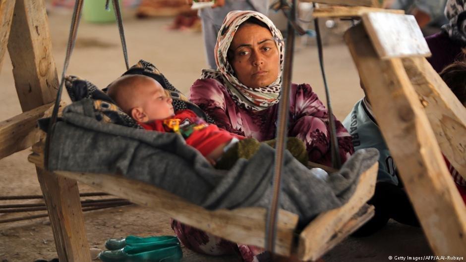 امرأة عراقية في مخيم للنازحين | Photo: Getty Images / AFP / A. Al-Rubaye