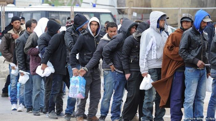 ينتظر اللاجئون طويلا للحصول على موعد لدى دائرة الاجانب في إيسن