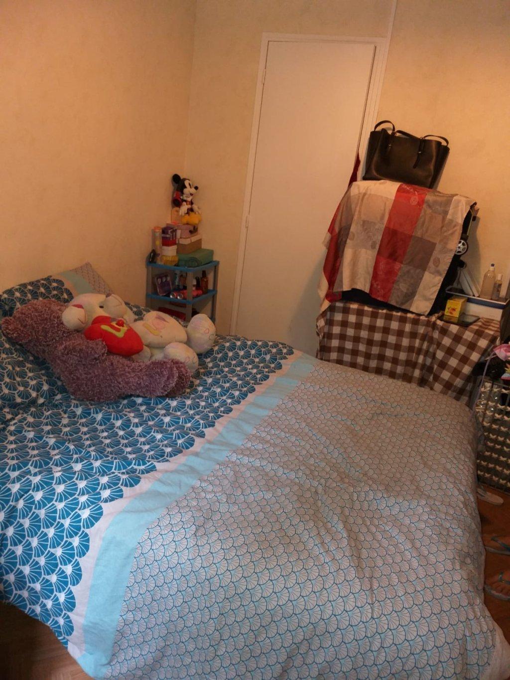 La chambre dhtel de Karima et sa fille Crdits  DR  Karima