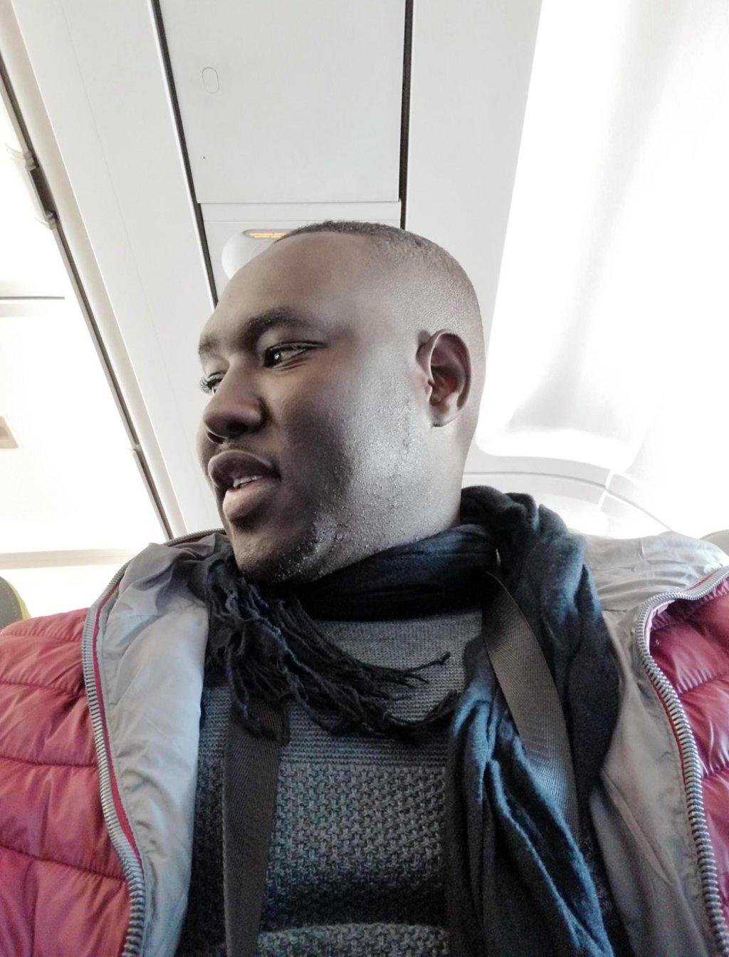 ansa / مهاجر سنغالي يروي قصة عودته من إيطاليا لبلده لمكافحة الهجرة