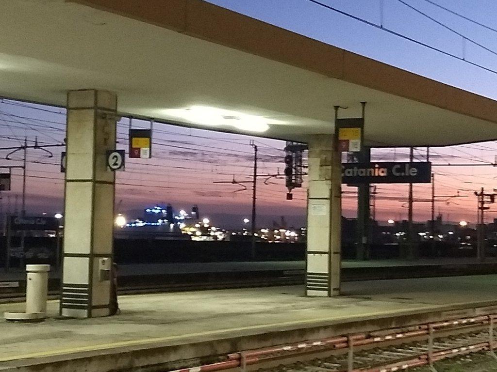 La gare de Catane Pour beaucoup de migrants la Sicile est la premire tape de la route vers le nord de lEurope  Photo Emma Wallis