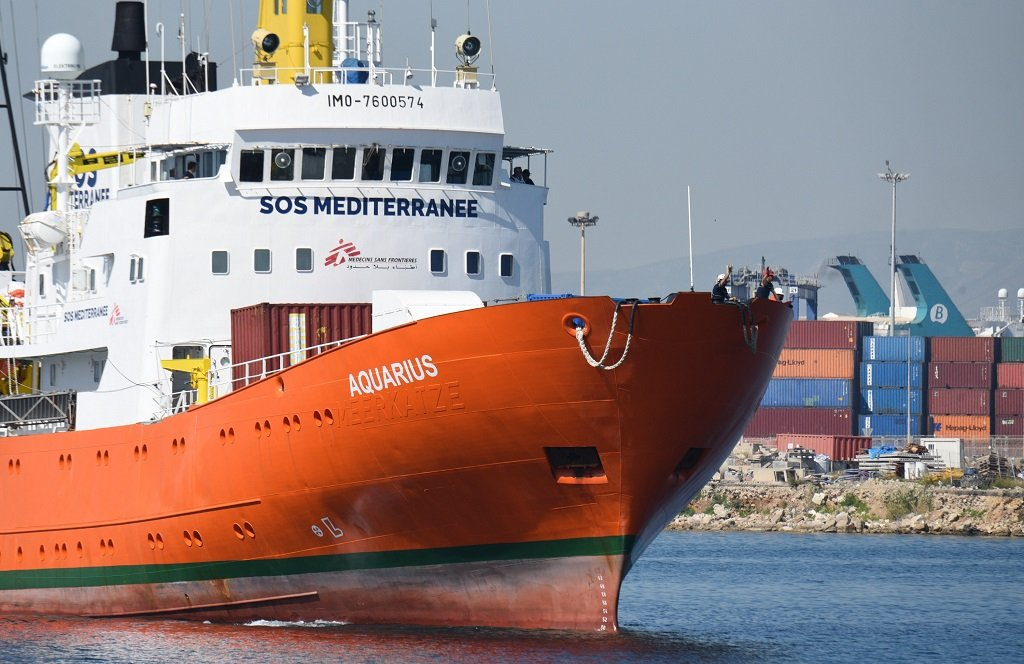 کشتی اکواریوس روز شنبه ١٧ جون  در بندر والنسیا در اسپانیا. عکس از مهدی شبیل