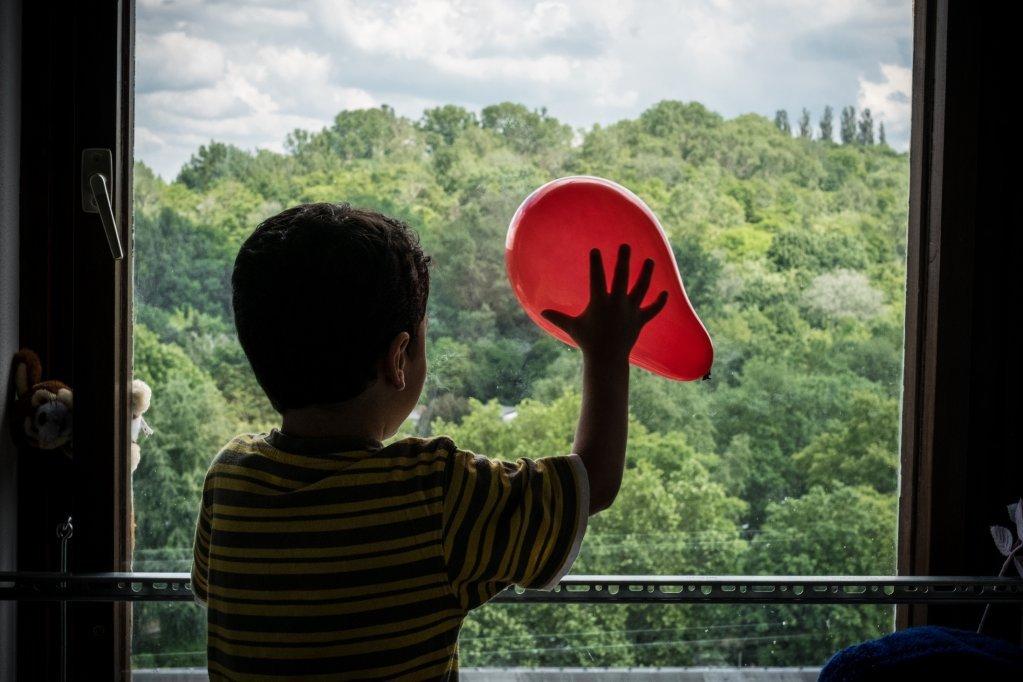واقعیت نشان میدهد که کودکان بدون سرپرست در جریان رشد خویش رنج میبرند، یونیسف، UN026343، جیلبرستوت VI