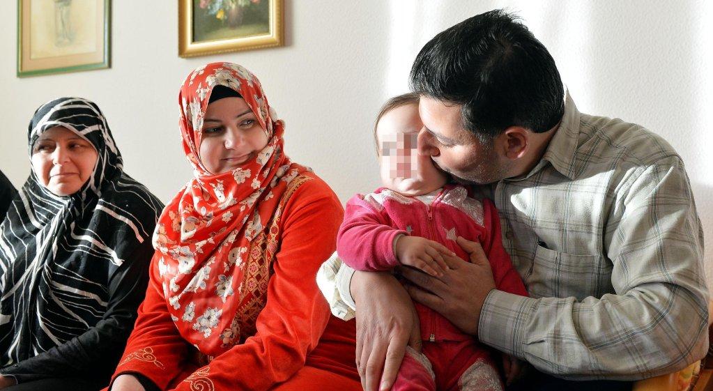 ANSA / أسرة سورية في إيطاليا. المصدر: أنسا/ أليساندرو دي ماركو.