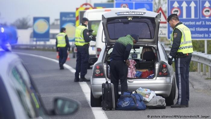 اتریش  در ۱۶ سپتمبر سال ۲۰۱۵ کنترول مرزی را آغاز کرد.