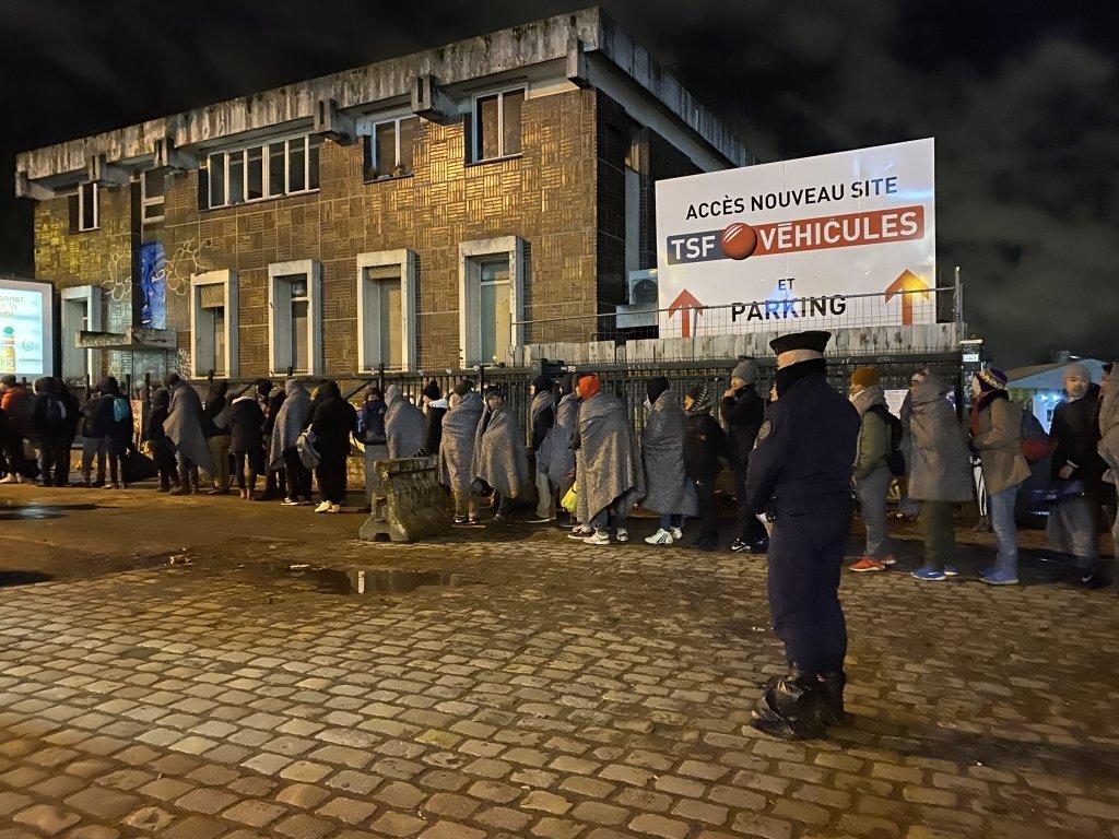 Plus de 1 400 migrants ont t vacus le 28 janvier 2020 du campement qui stait form porte dAubervilliers dans le nord de Paris Il sagissait de la 60e vacuation depuis 2015 Crdit  InfoMigrants
