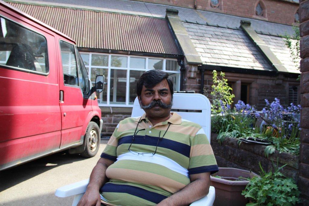 ويسلون موكيرجي يقول إنه لم يعد يثق بوزارة الداخلية البريطانية بعد ما جرى مع أسرته. (تصوير: برينا دالدورف من مهاجر نيوز)