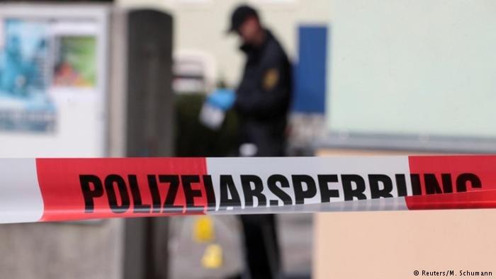 Police tape around a building in Dresden (Reuters/M.Schumann)