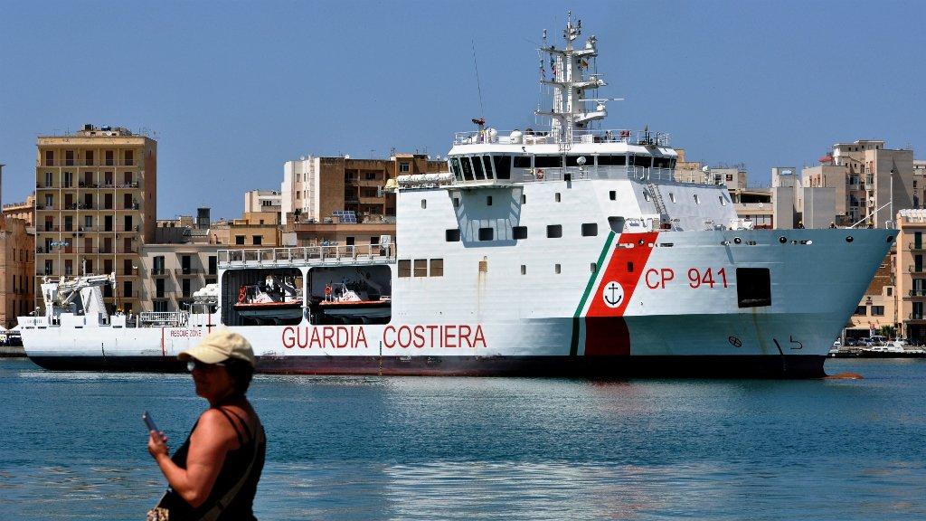 Alessandro Fucarini, AFP  |Le navire Diciotti arrive dans le port de Trapani, le 12 juillet 2018.