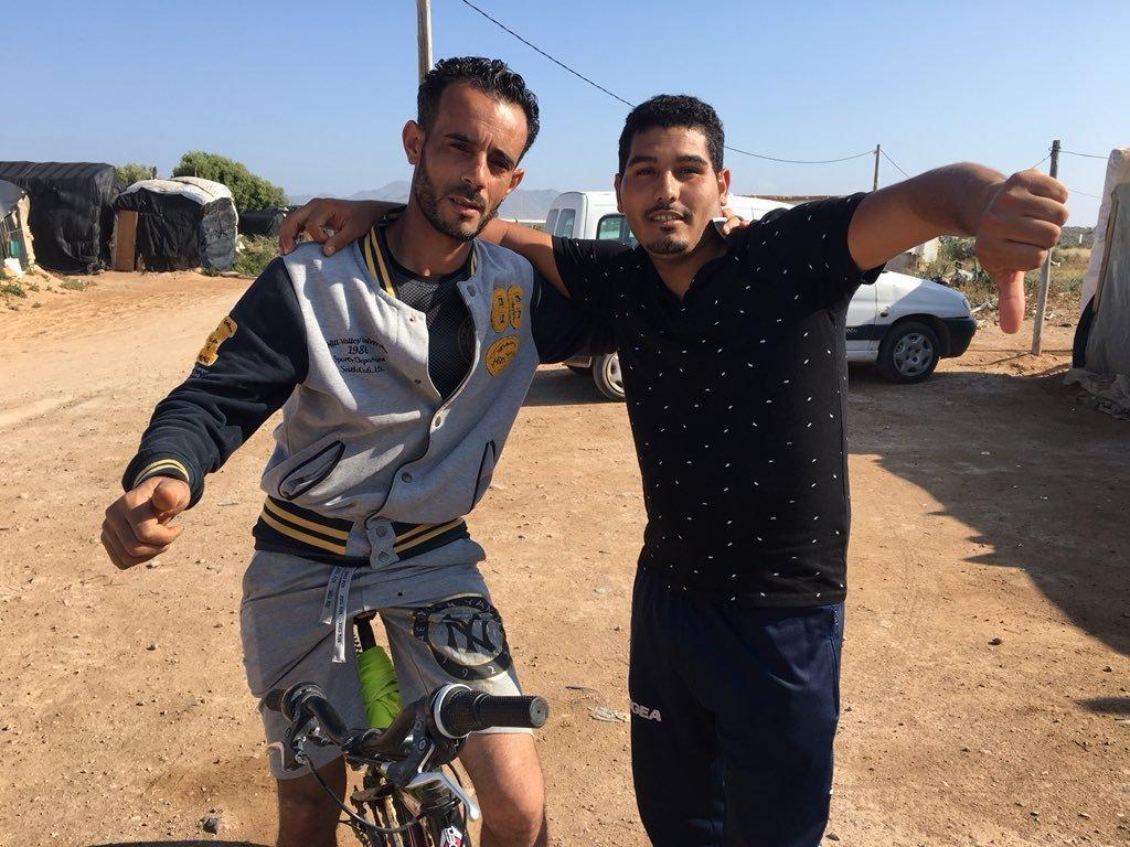 Kassimi et un de ses amis. Crédit : Boualem Rhoubachi