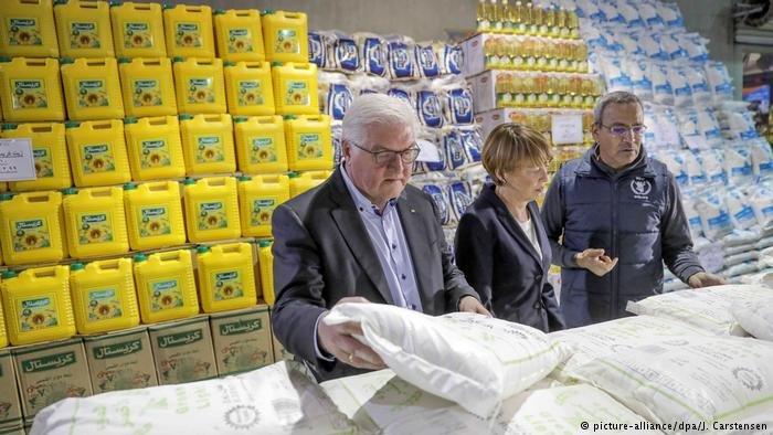 picture-alliance/dpa/J. Carstensen |الرئيس الألماني شتاينماير في زيارة لمخيم الأزرق في الأردن