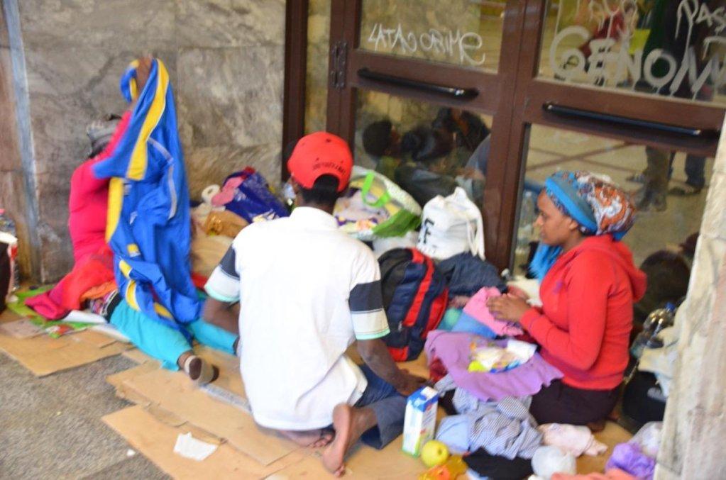 ansa / مهاجرون يعيشون في شوارع مدينة فينتيميليا. المصدر: صورة من أرشيف/أنسا.