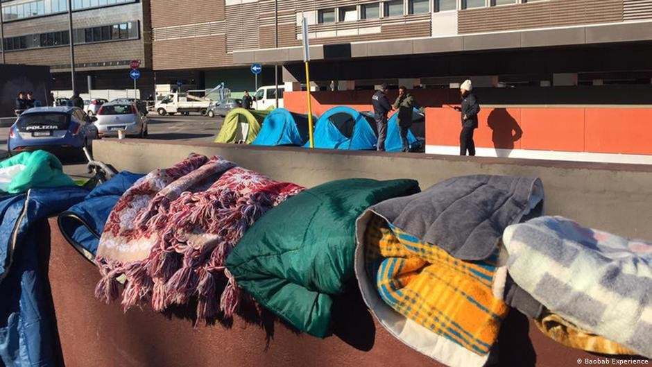 Behind Tiburtina Station blankets await retrieval by volunteers from the Baobab Experience  Photo Baobab Experience
