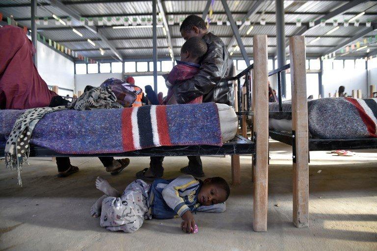 Ryad KRAMDI / AFP |Laghouat, nord de l'Algérie: enfants nigériens dans un camp de transit pour réfugiés, juin 2018.