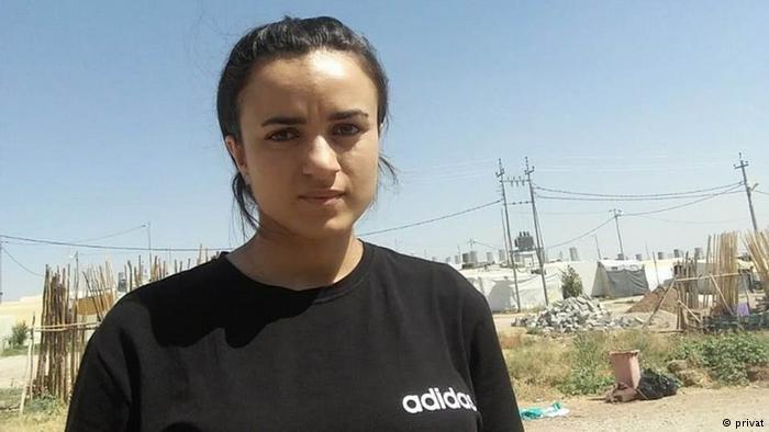 """عادت اللاجئة الإيزيدية أشواق من ألمانيا إلى العراق بعد أن قابلت """"مستعبدها الداعشي"""" في المدينة التي كانت تقيم فيها"""