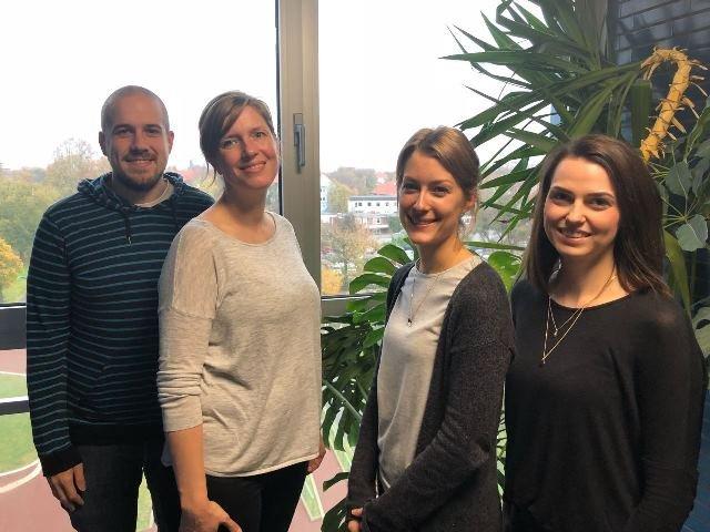 فريق العمل  القائم على مشروع العمل التطوعي لفائدة اللاجئين