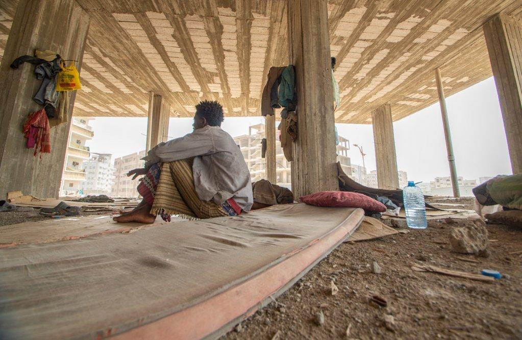 Un migrant dans une btiment abandonn  Aden   Photo  R IbrahimIOM 2020