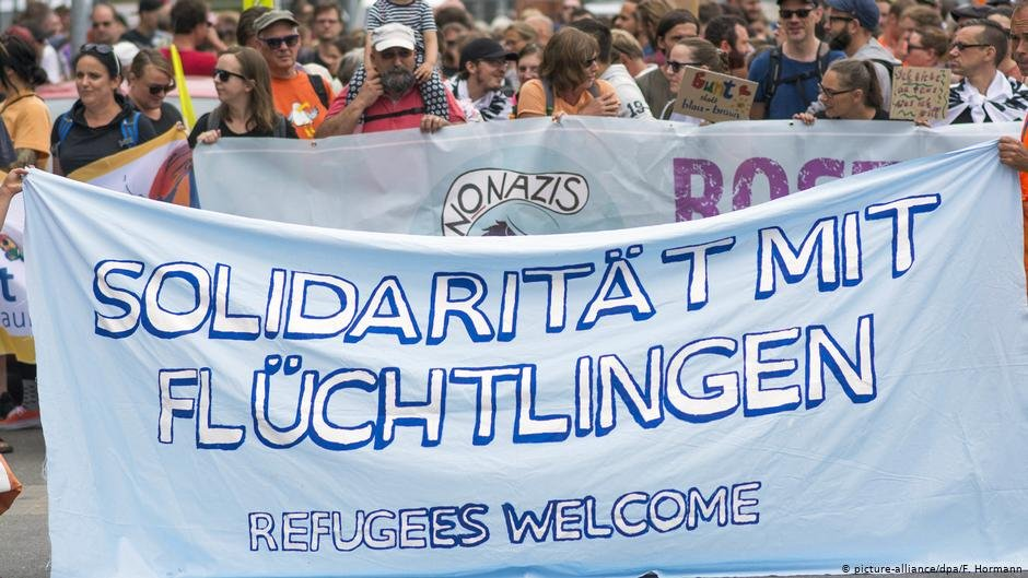 Many refugees were greeted by welcoming crowds when they arrived in Germany in 2015  Photo Picture-alliancedpaFHormann
