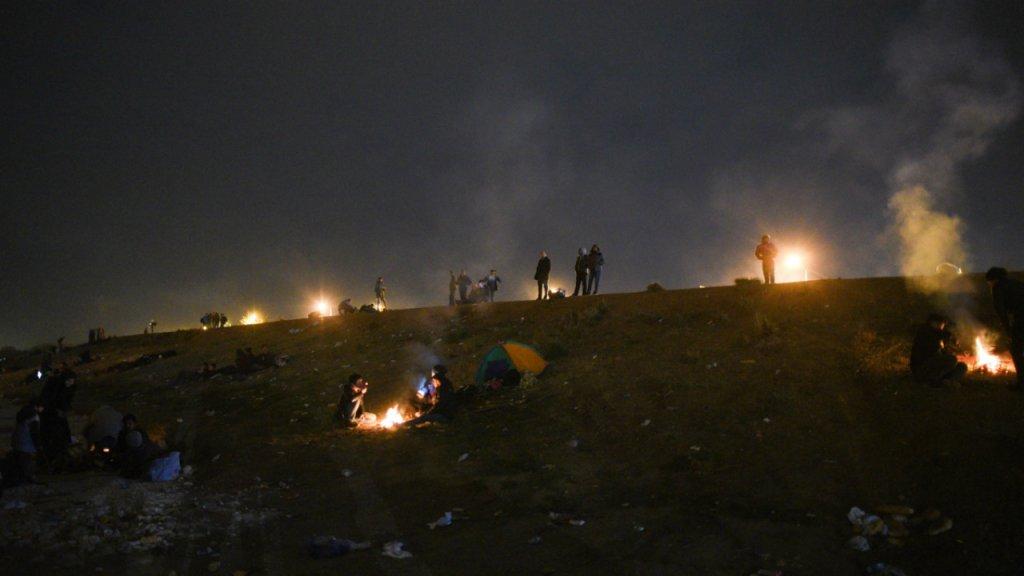 Environ 200 migrants sont parpills dans ce campement situ  plusieurs kilomtres de la frontire  Crdit  Medhi Chebil  InfoMigrants