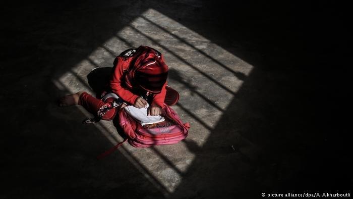 تقول منظمة كير الإنسانية إن الفتيات هن أكثر من يتأثر باللجوء