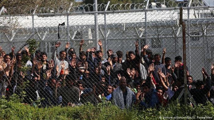 یونان متعهد شده است که برای رسیدگی به وضعیت پناهجویان در جزایر این کشور تلاش میورزد.