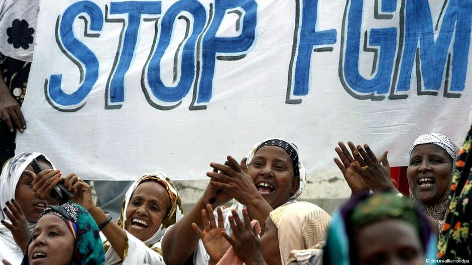 Women in Somalia demonstrating against FGM | Photo: Picture-alliance/dpa