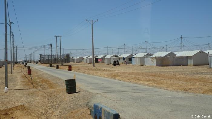 أول مخيم للاجئين يستخدم الطاقة الشمسية