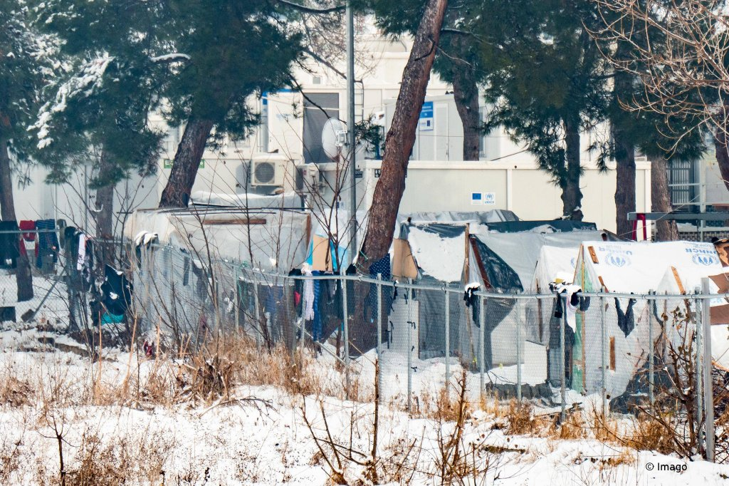 View of the Diavata refugee camp covered in snow  Photo Picture-alliance