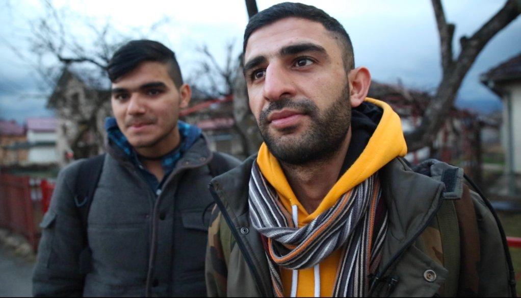 Haris et son frère Salman, deux migrants pakistanais. Ils ont déjà essayé six fois de passer la frontière. Ils vont retenter leur chance ce soir-là. Crédit : Claire Debuyser