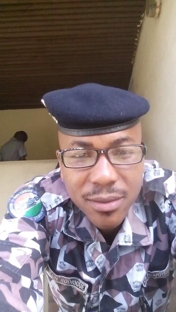 Rodrigue a t gendarme en Cte dIvoire entre 2008 et 2018 Crdit  Rodrigue