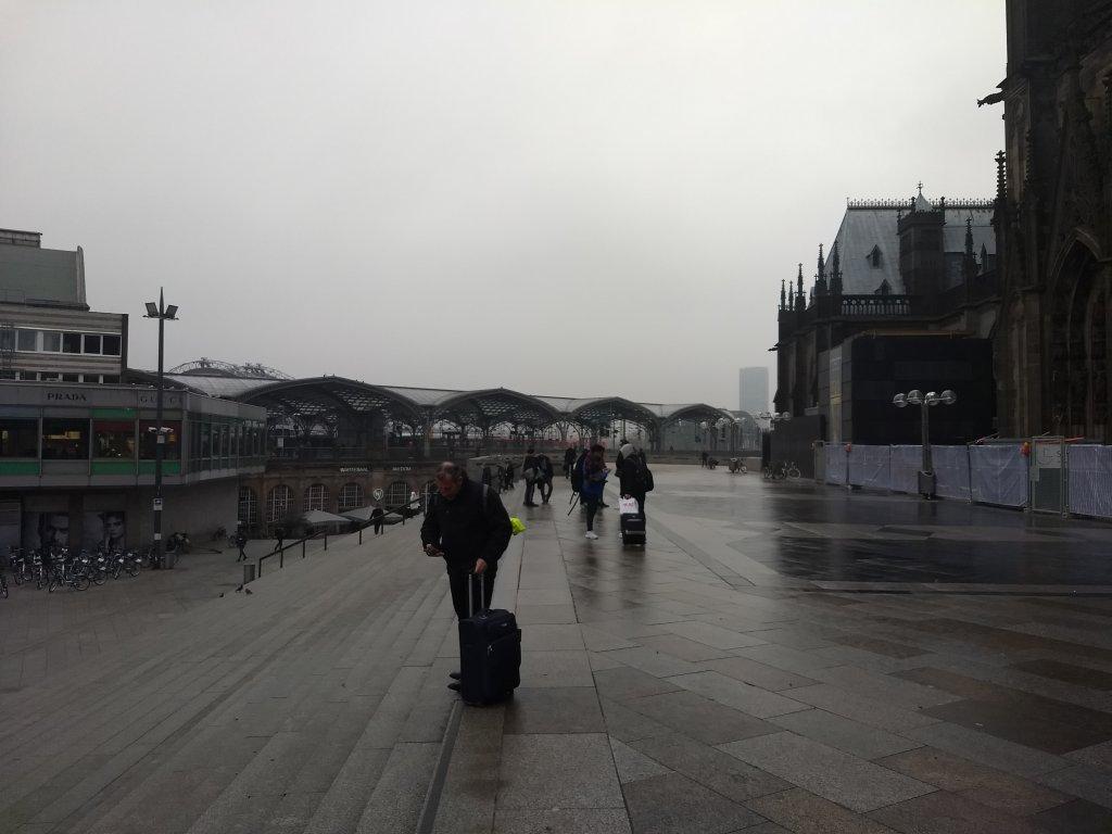 Le plateau de la gare et de la Cathdrale de Cologne  Photo  Emma Wallis  InfoMigrants