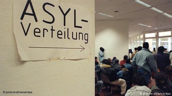 Allemagne des rendez vous l office des trangers s 39 ach tent au march noir infomigrants - Office des etrangers france ...