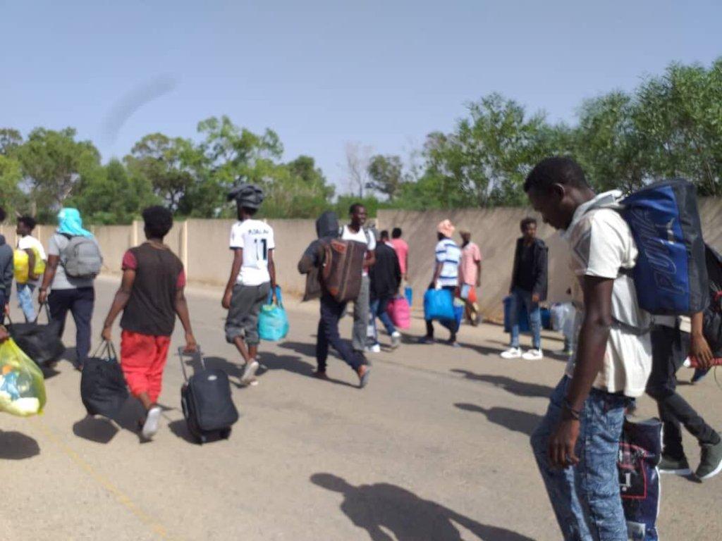 Les migrants ont rassembl leurs affaires et ont march jusqu Tripoli Crdit  DR
