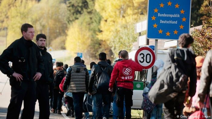 Migrant flows to Germany hit a peak in 2015