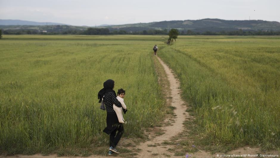 Refugees face enormous challenges fleeing their homes, seeking sanctuary and resettling   Photo: Picture-alliance/AP Photo/P.Giannakouris