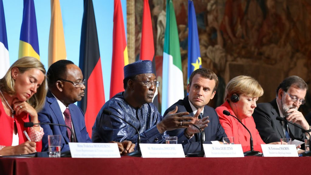 African and EU leaders at migrant crisis summit in Paris, August 2017
