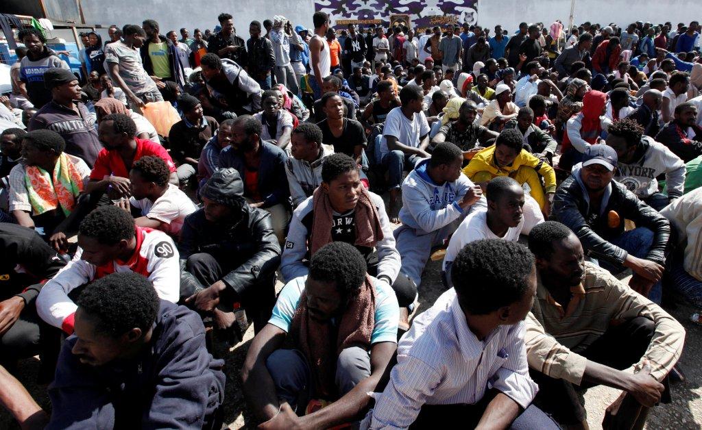 Image d'archive de migrants en Libye, en 2017. Crédit : Reuters