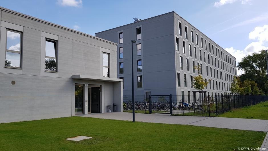 The Wartenberger Street asylum seeker center in Berlin | Photo: DW/M. Grundmann