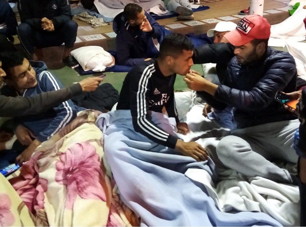 مهاجرون مشاركون بالإضراب عن الطعام. الصورة أرسلها لنا أحد المهاجرين من داخل مركز مليلة