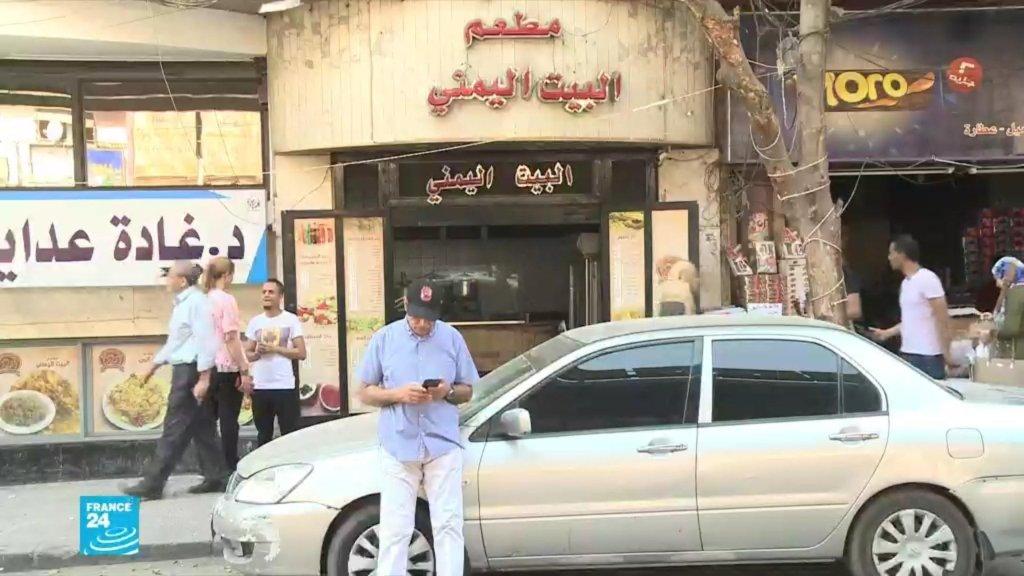 اللاجئون اليمنيون والسوريون والليبيون أوضاعهم أفضل في مصر من الأفارقة.