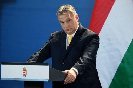 أ ف ب/ أرشيف   رئيس الوزراء المجري فيكتور اوربان في مؤتمر صحافي في 10 نيسان/ابريل 2018 في بودابست
